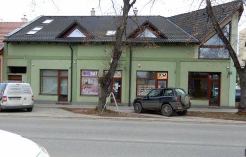 tureality-levice-budova-2
