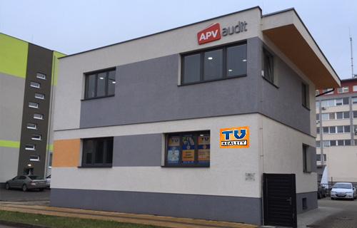 topolcany-budova